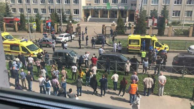 Бабушка учеников атакованной школы в Казани рассказала о подвигах учителей