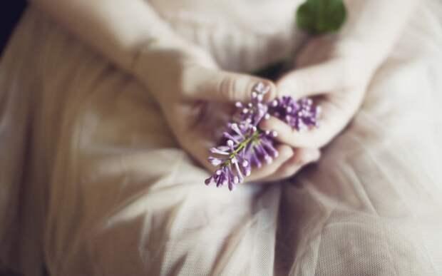 siren-ruki-cvety