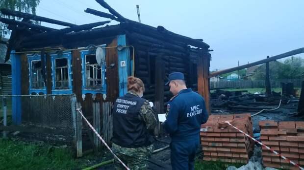 Двое взрослых и четверо детей погибли во время пожара в Удмуртии