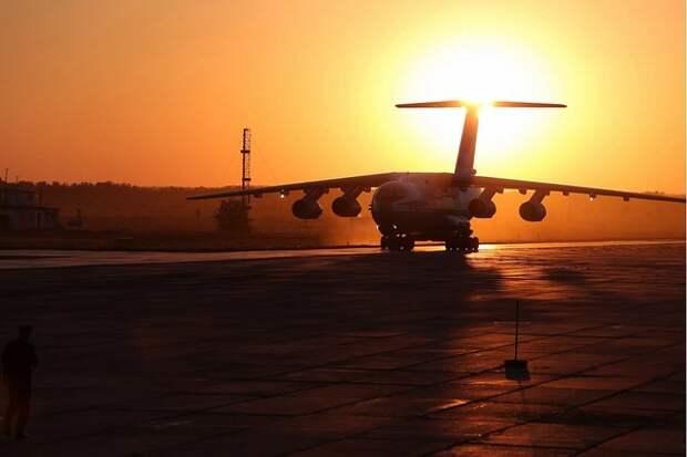 Пассажиры авиалайнера Нью-Йорк - Сидней провели в воздухе 19 часов 14 минут
