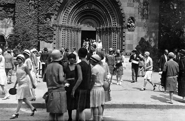 Будапешт, Венгрия, 1928 год Стиль, винтаж, двадцатые, женщина, мода, прошлое, улица, фотография