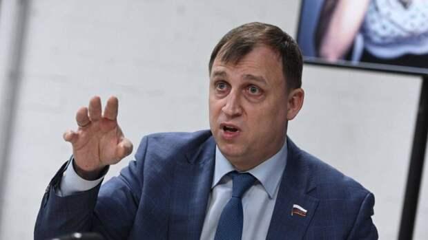 Политик Вострецов: Нужно пожизненно лишать водительских прав мажоров-нарушителей