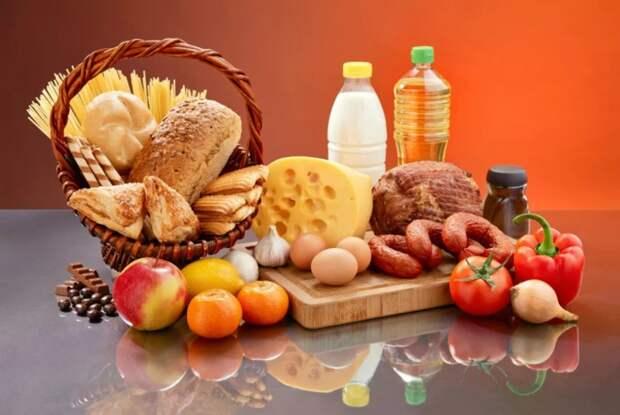 Инфекционист Акинфиев рассказал об опасности немытой упаковки продуктов