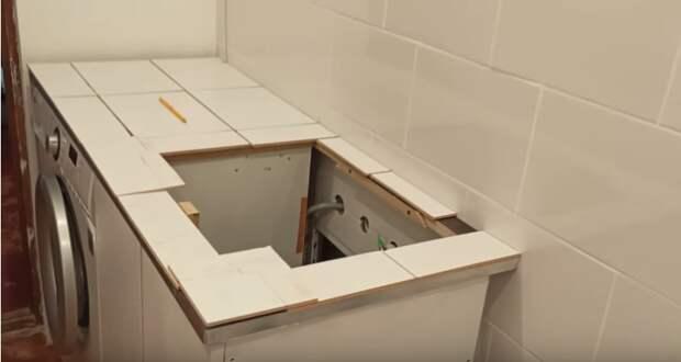 Девушка смогла переделать старый шкаф в шикарную тумбу для ванной. Получилось стильно и практично