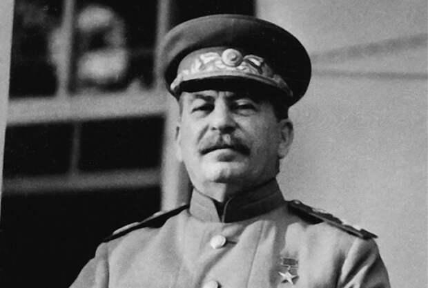 Почему Сталин хотел, чтобы в СССР забыли Великую Отечественную