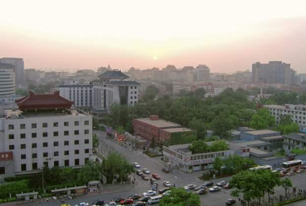 Все заводы в столице Китая закроются из-за красного уровня экологической тревоги