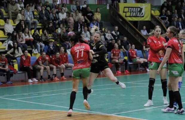 Команда БНТУ-БелАЗ завоевала титул чемпиона Беларуси сезона 2020/2021. Гомельчанки выиграли серебряные медали.