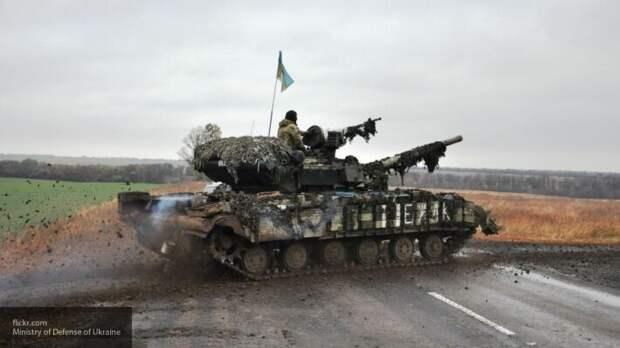 Пенсионеры Западной Украины просят солдат ВСУ развернуть танки на Киев
