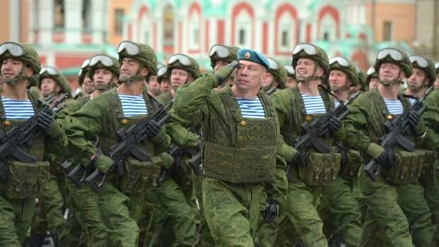 Россияне поделились в Сети сильными эмоциями от увиденного парада Победы в Москве