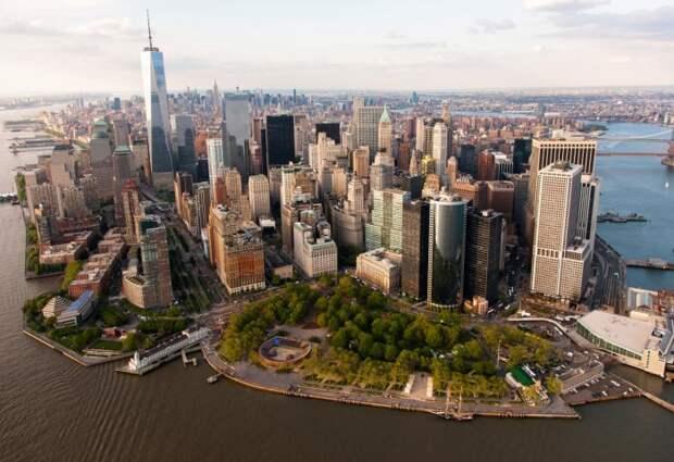 Дороже всего апартаменты стоят в Бэттери-Парк-сити, районе Манхэттена, - около 5 530 долларов / Фото: media.architecturaldigest.com
