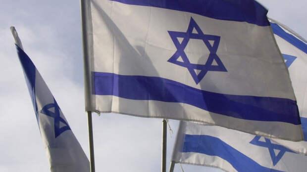 Жителям израильских городов у сектора Газа запретили выходить из бомбоубежищ