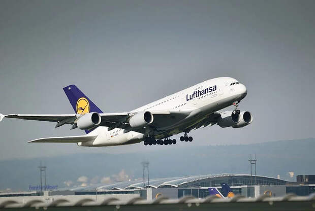 """Летайте самолетами авиакомпании """"Пандемия"""""""