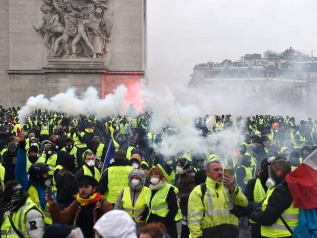 Гражданская война во Франции становится все более реальной