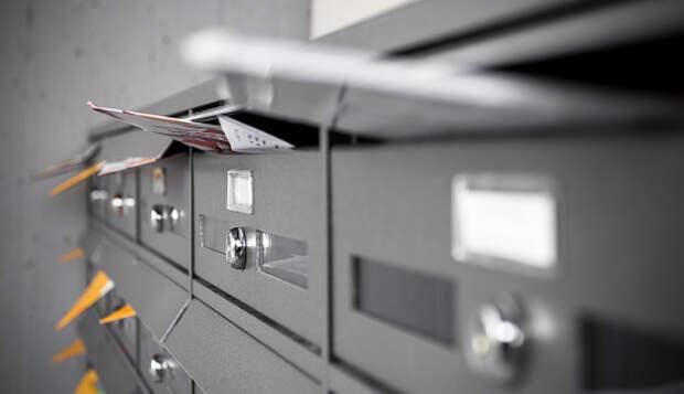 В подъезде дома на Малой Ботанической сменили замок в почтовом ящике