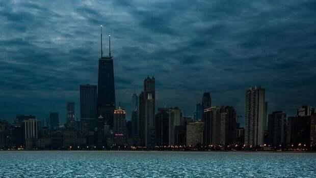 Атмосферные фотозарисовки Чикаго в духе «Тёмного рыцаря» Кристофера Нолана