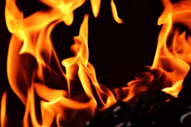 При пожаре в Воткинском районе погиб мужчина и пострадал маленький ребенок