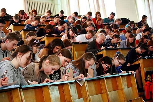 Жители Удмуртии смогут выбрать один из трех форматов написания Тотального диктанта
