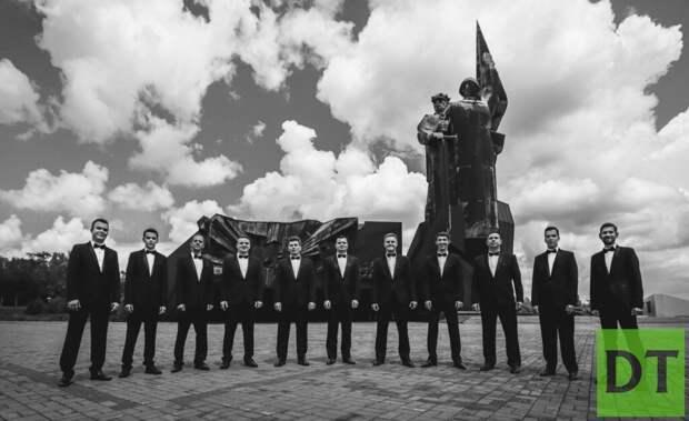 Ко Дню России в Донецкой филармонии исполнили песню «Забери нас домой, Родина!»