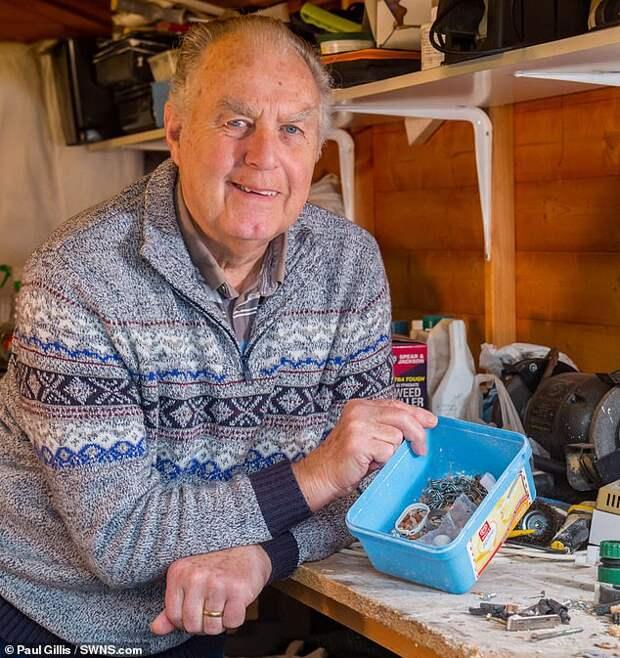 Британец обнаружил в своем сарае очень хозяйственную мышь