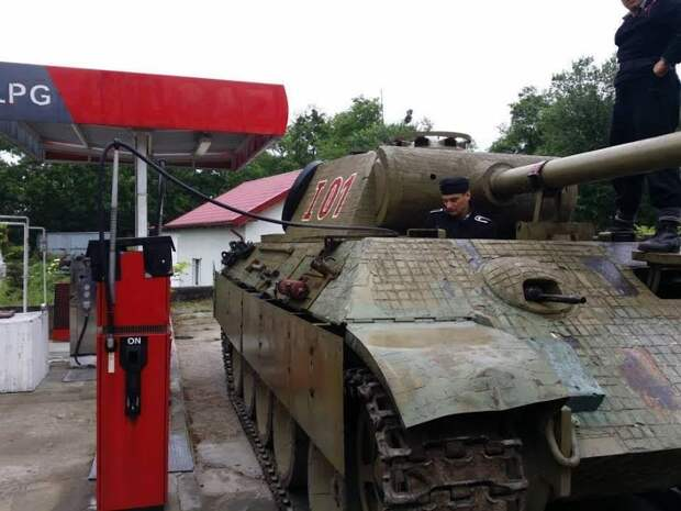 Тем временем в Германии. Источник: militaryhumor.net