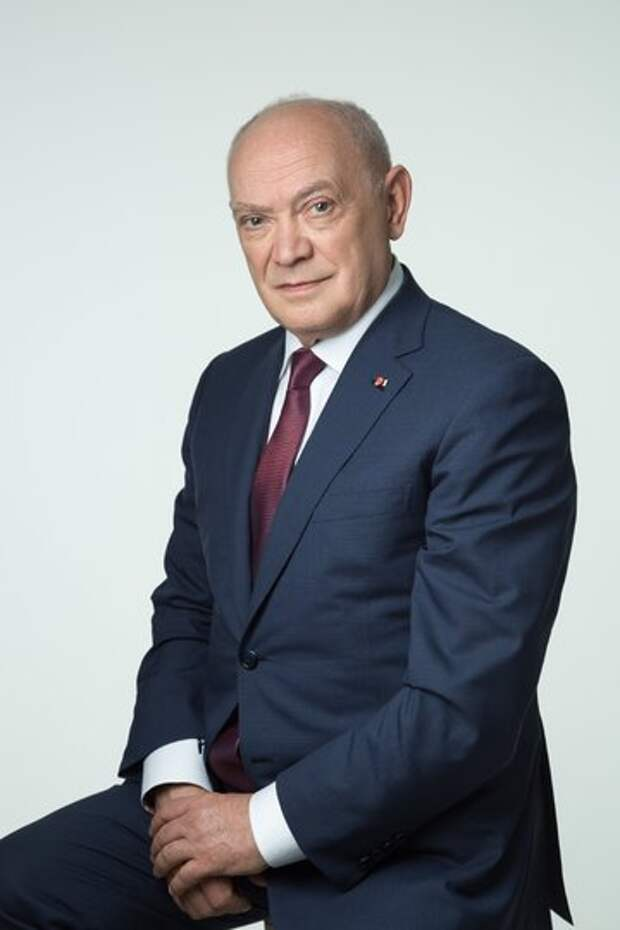 Академик Румянцев: Мы наблюдаем приток в здравоохранение недостаточно подготовленных людей