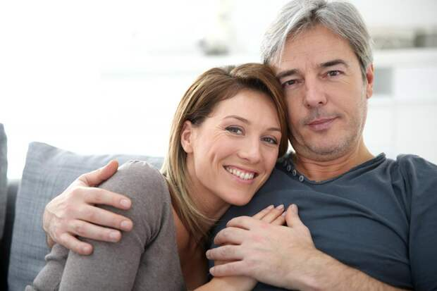 Секс при климаксе и после: как сохранить интимную жизнь