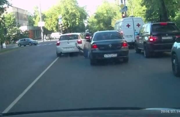 Глухонемой Прутян, сбивший пенсионера в Москве, останется в СИЗО