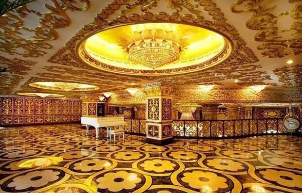 Строительство роскошных офисов обошлось в 15 миллионов долларов США.
