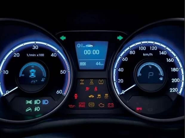 Почему бьёт током в автомобиле?