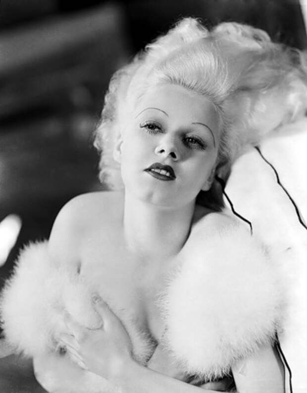 4th April 1933: American film star Jean Harlow (1911 - 1937), the original blonde bombshell. (Photo by George Hurrell)
