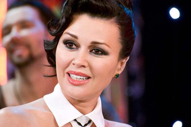 «Насте снова стало хуже»,— знакомые Анастасии Заворотнюк поделились состоянием актрисы