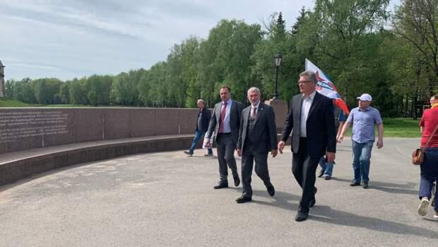 Новгородцы поблагодарили Алексея Журавлева за готовность к диалогу