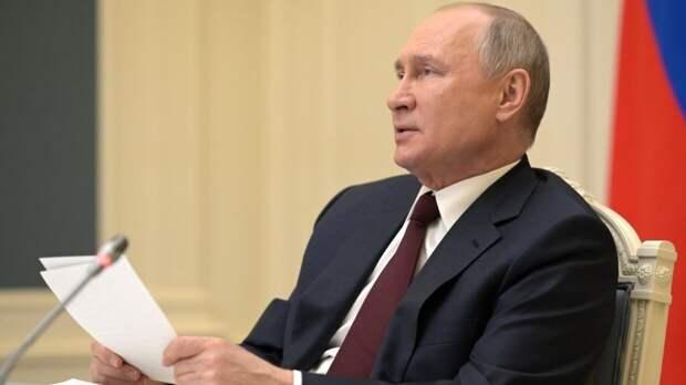 Гинцбург рассказал о защите Путина от COVID-19 после вакцинации