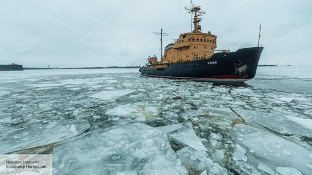 Fox News: Байден столкнулся с проблемой из-за ледоколов России