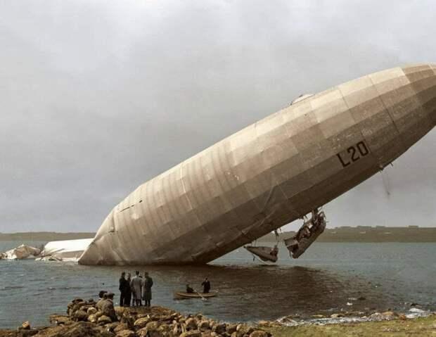 "Германский дирижабль ""Цеппелин LZ 59"" после атаки на английский регион Мидлендс, 1915г. история, ретро, фото"