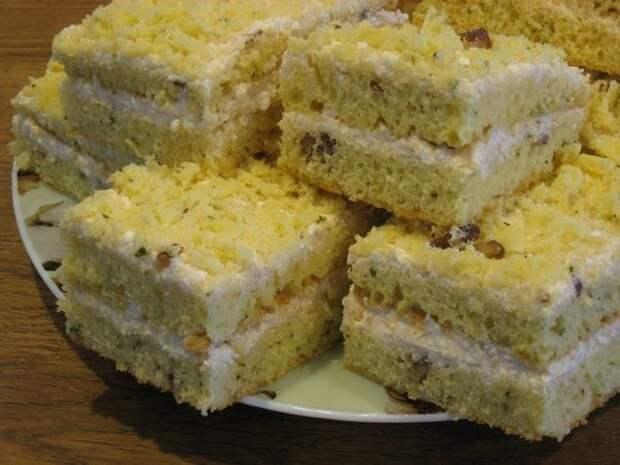 Десертный вихрь. Пирог на сгущенном молоке с кремом из творога