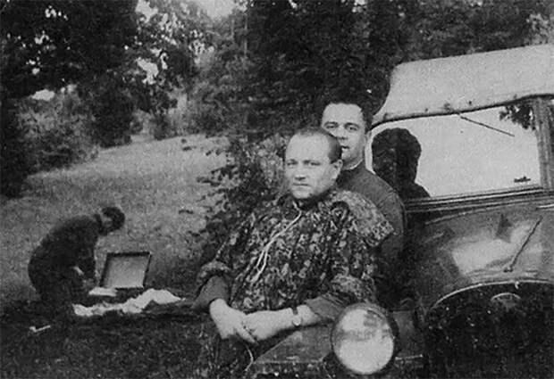 Мирон Матвиейко (на переднем плане), член ОУН с 1930 года