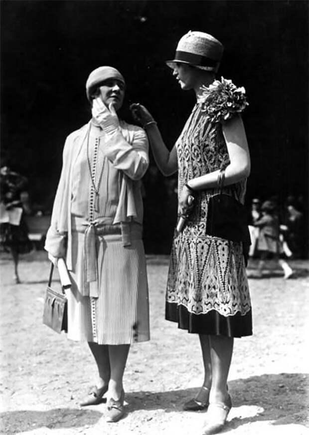 Платье-пиджак, 1924 год Стиль, винтаж, двадцатые, женщина, мода, прошлое, улица, фотография