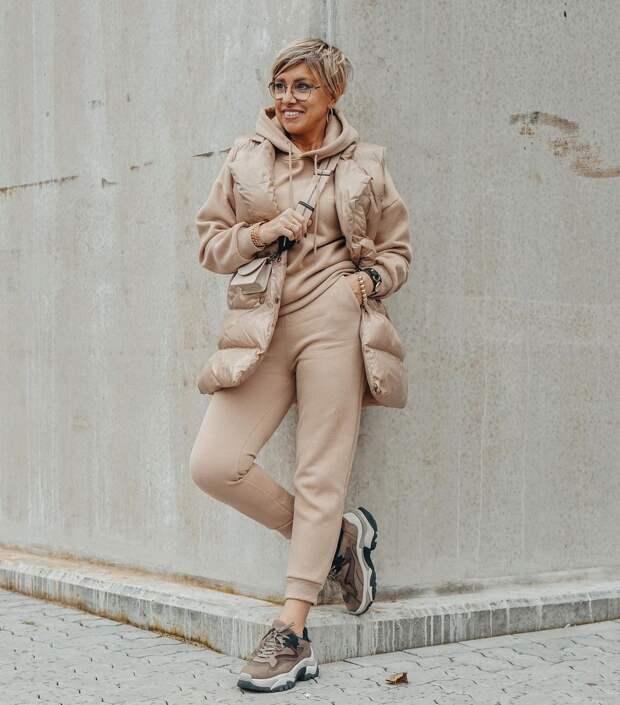 15 практичных и модных примеров с чем носить бежевый костюм