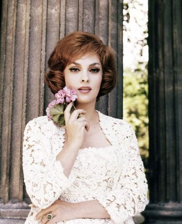 Знаменитая итальянская актриса, звезда мировой величины 50-70 годов.