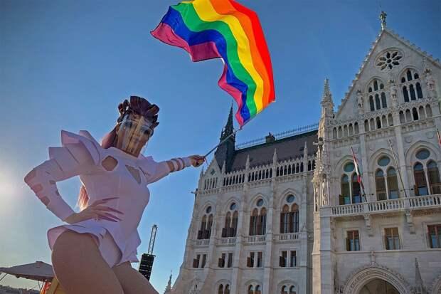 Венгрия запретила «пропаганду ЛГБТ» в школах