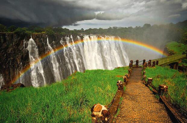 BIGPIC89 Радуга над самым большим водопадом в мире