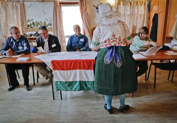 На референдум в Венгрии пришли противники квот на прием мигрантов