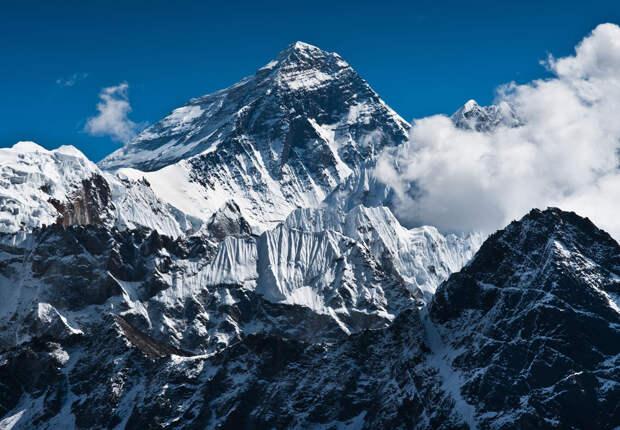 Эверест не самая опасная гора для альпинистов