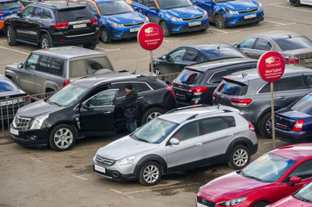 Покупатели нацелились на автомобили с пробегом