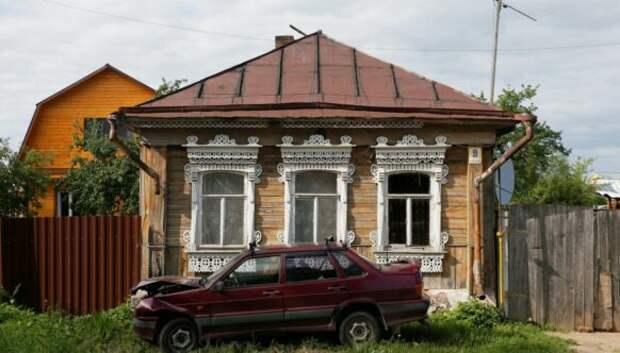 Памятники русского зодчества: разруха, спутниковые тарелки и пластиковые окна