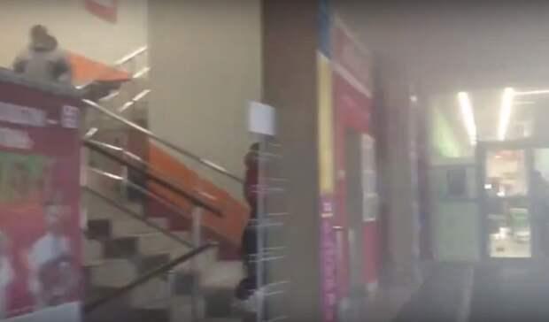 Стали известны подробности пожара вторговом центре вНижнем Тагиле наВые