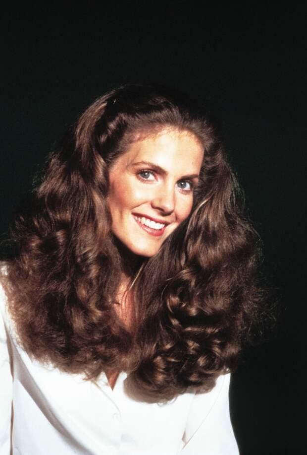 Красотка из 80-ых Джули Хагерти
