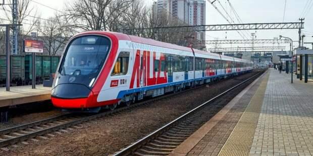 Электрички Савеловского направления задерживаются из-за задымления в поезде