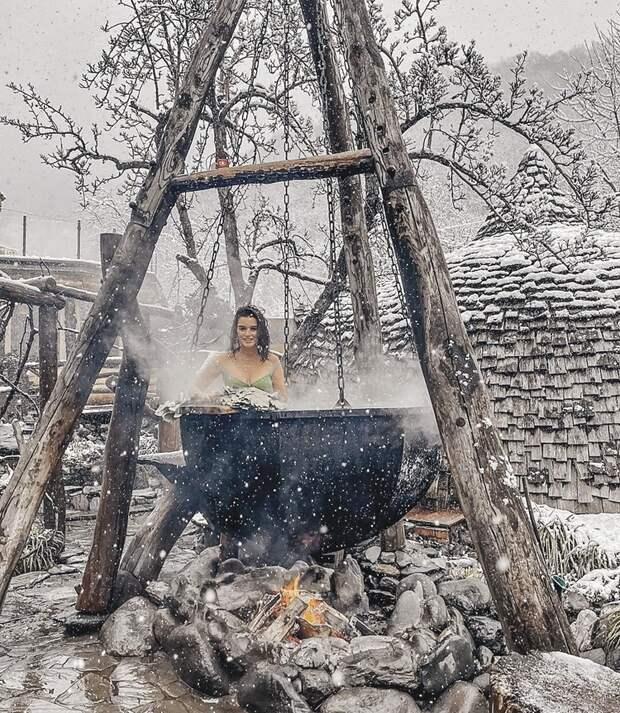 Бородина в Красной Поляне и сама как следует попарилась, и гостям такой же полезный отдых обеспечила.